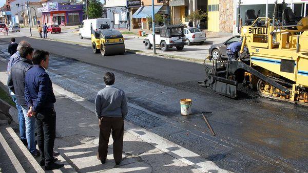 OBRA: Sigue el asfaltado de la 75