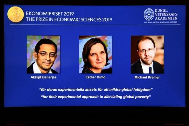 Tres economistas, entre ellos una mujer, ganan Nobel por trabajos sobre la pobreza