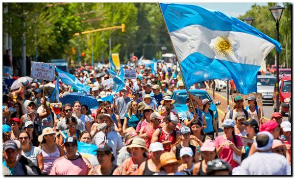 El agua de Mendoza no se negocia