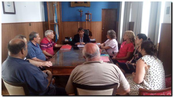 Bono solidario e incremento salarial para empleados municipales… de Lobería