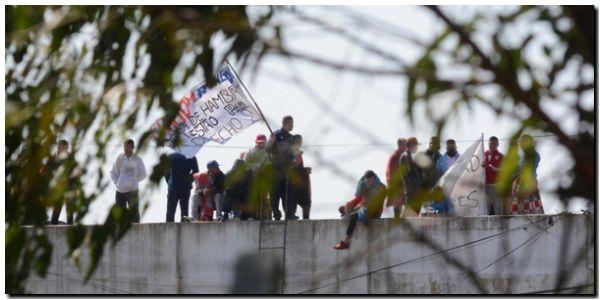 Se amotinaron los presos en Melchor Romero y crece la tensión en las cárceles de la provincia