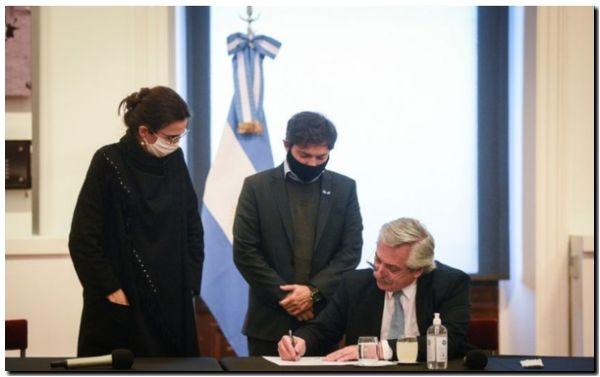Kicillof y Alberto firmaron convenios para la realización de obras de infraestructura