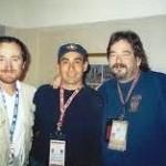 DOUGLAS COOP( DERECHA) JUNTO A EFRAIN HUAMAN Y DAVID CAMACHO EN 2001