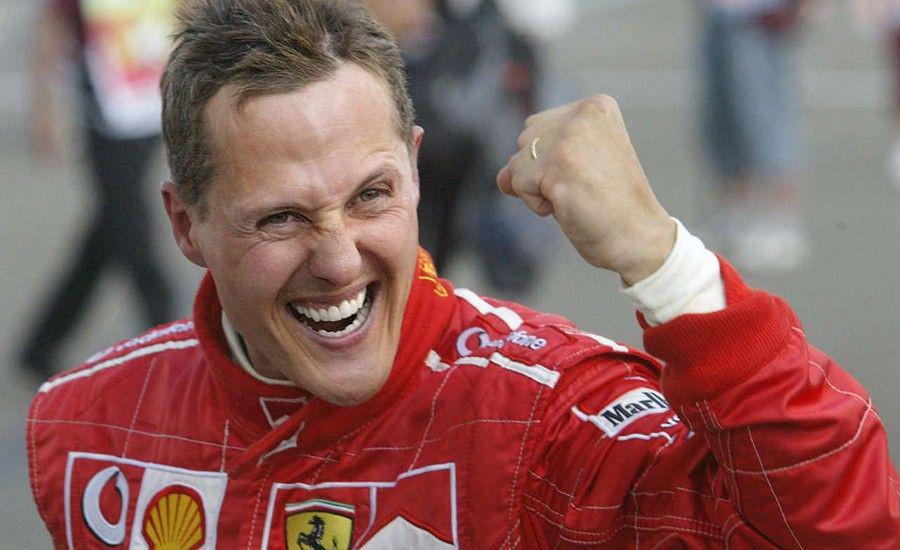 Schumacher se comunica con los ojos
