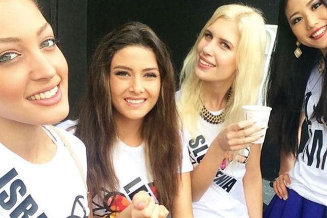 """La """"selfie"""" que generó una crisis entre Miss Israel y Miss Líbano"""