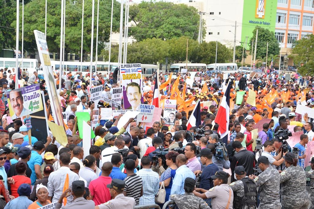 """Reclaman """"4+"""" para Danilo; la reelección se pone al rojo vivo"""