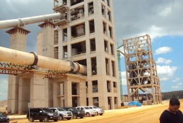 Fábrica de cemento despide a 170 trabajadores en Pedernales