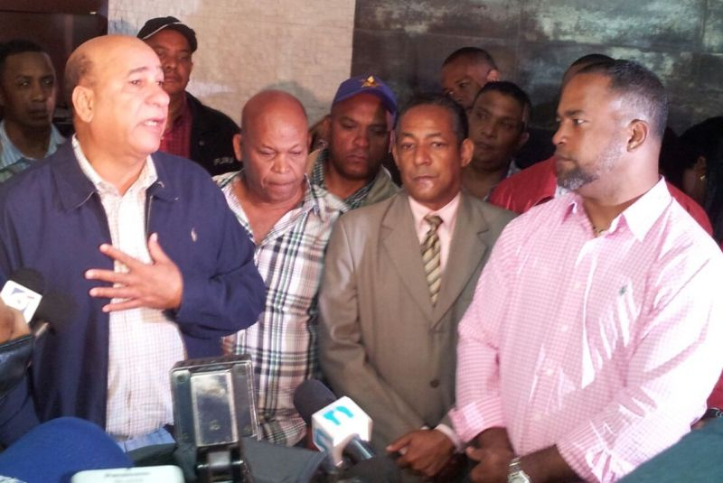 En plena rueda de prensa; Mondesí y Bautista Rojas Gómez se dicen verdades