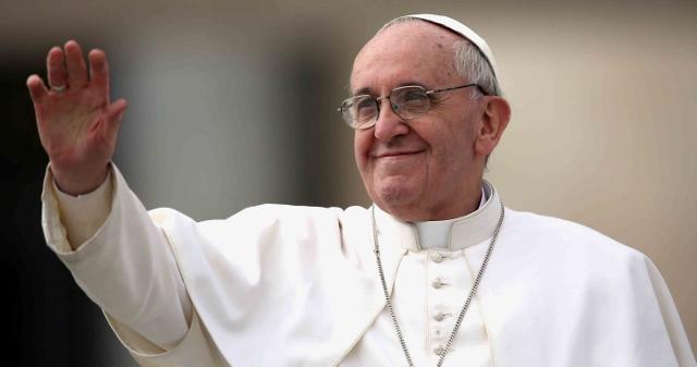 Francisco visitará a Cuba en septiembre
