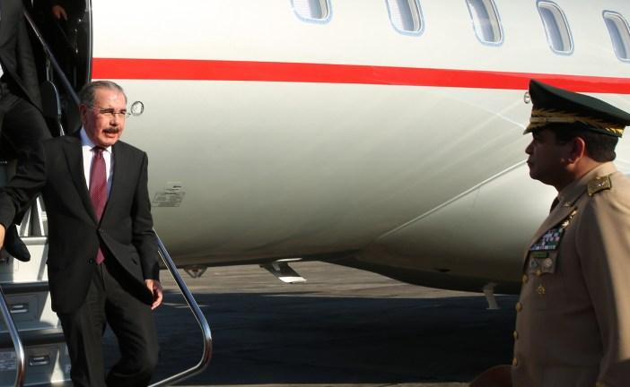 Presidente Medina regresa al país