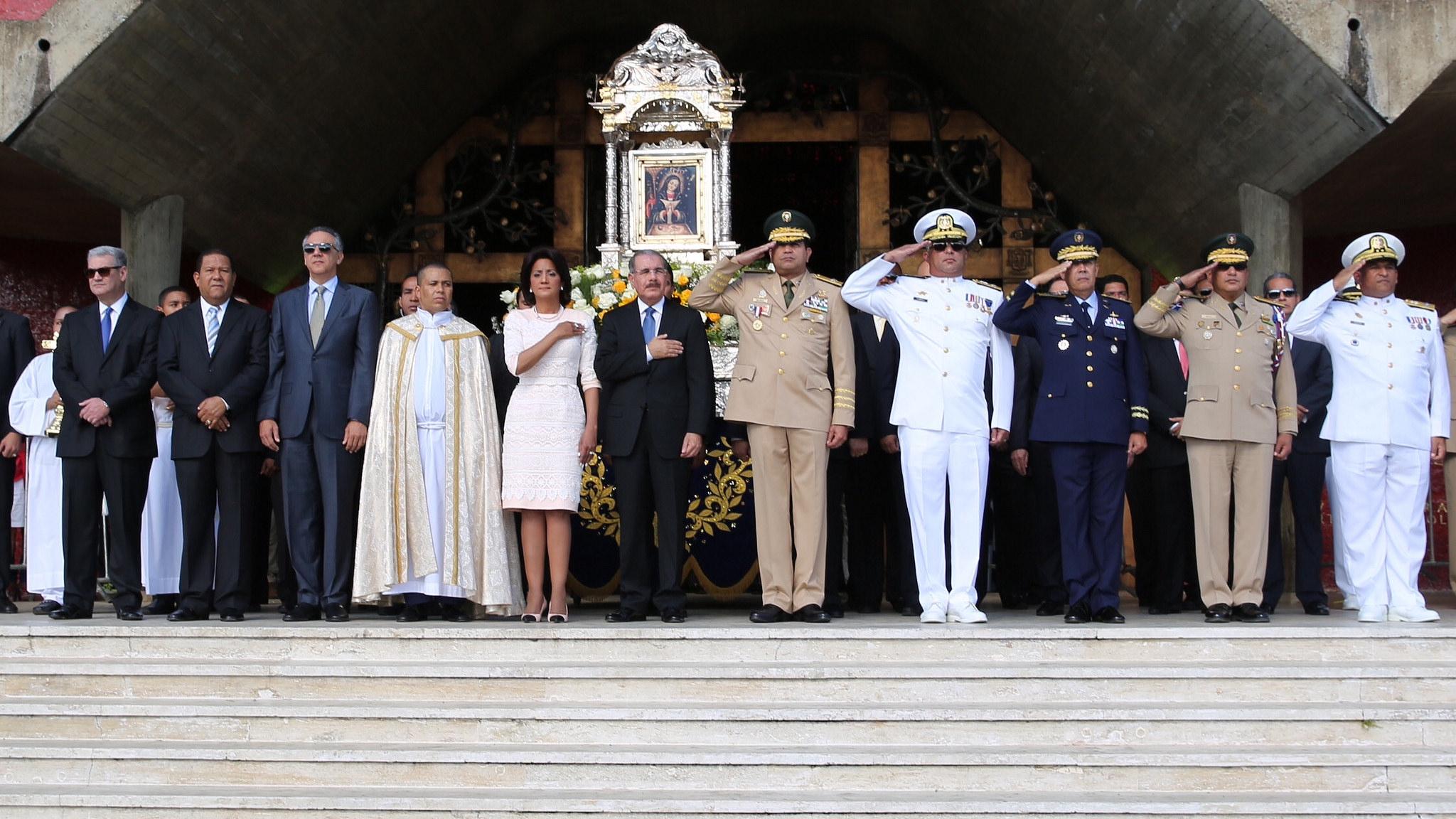 La tropa de Danilo en la Basílica de Higüey