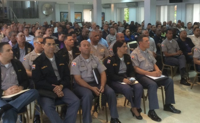 El  jefe de la Policía se reúne con los altos mando policiales a nivel nacional