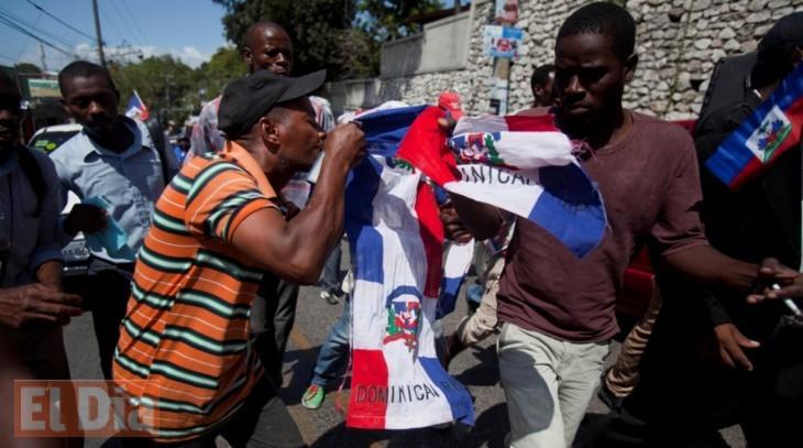 Funcionarios y políticos apoyan posición del Gobierno frente a Haití