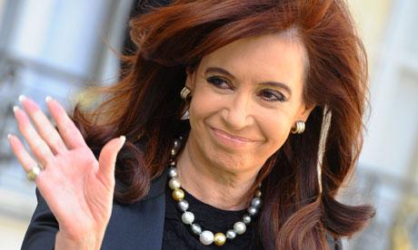 Fiscal argentino pide imputación de Fernández en causa por denuncia de Nisman
