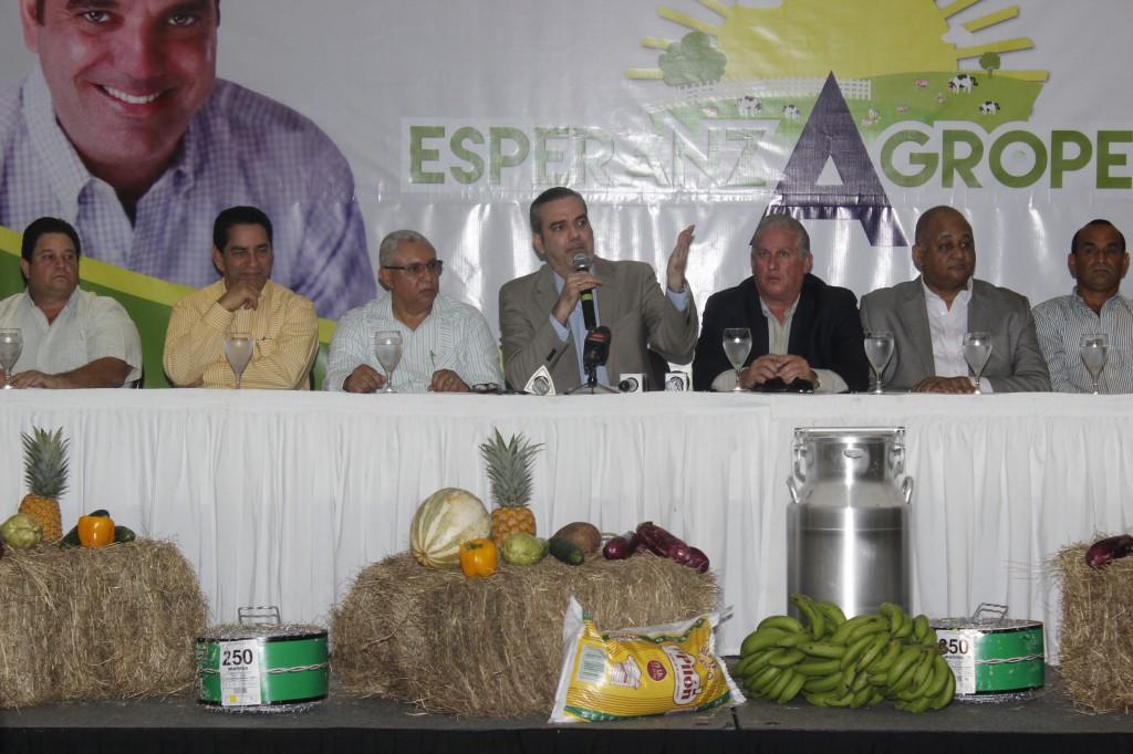 Abinader sugiere al presidente Medina cambiar visitas sorpresas por plan estratégico para el agro