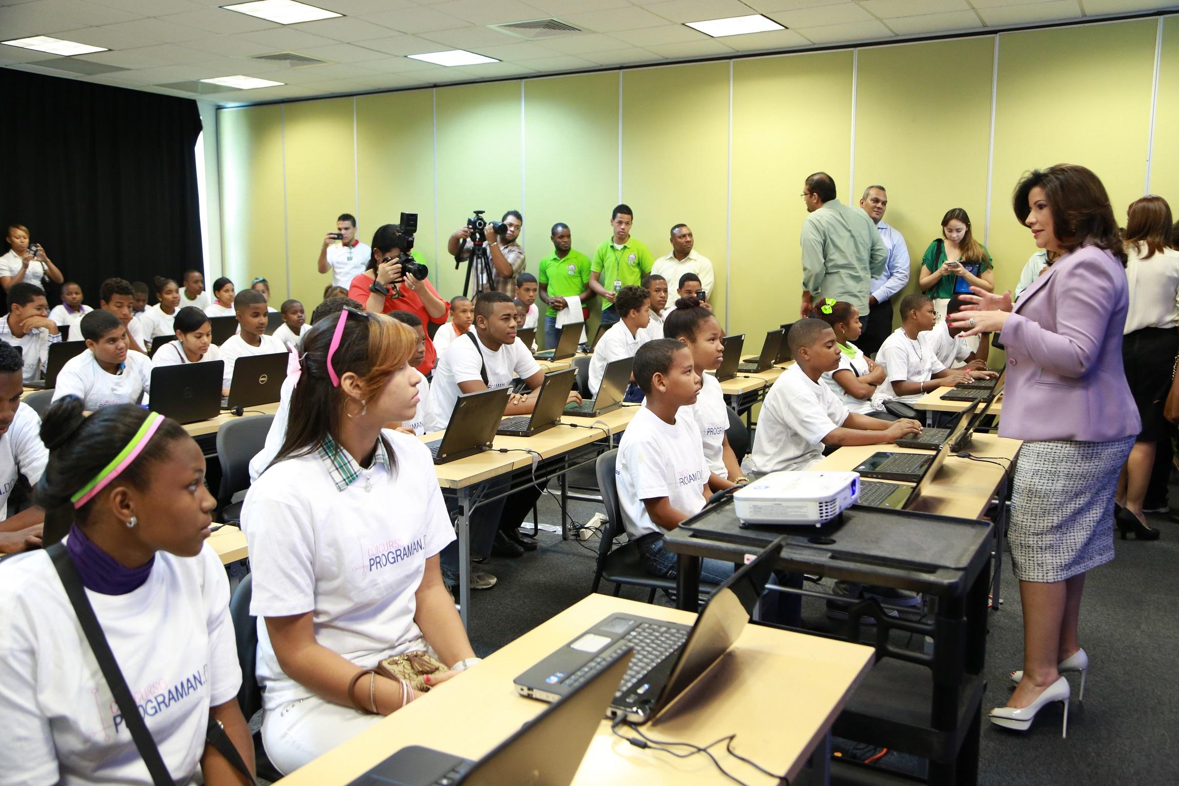 """Vicepresidencia lanza plataforma """"Programan.do"""""""