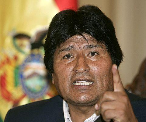 """Evo Morales califica de """"lesbiana"""" a ministra y luego se disculpa"""