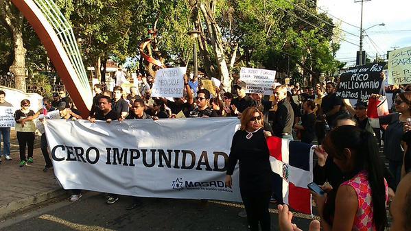 Santiago realizó viacrusis contra la sentencia de Moscoso Segarra