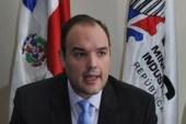 Ministro Industria y Comercio favorece ayuda para los productores agrícolas