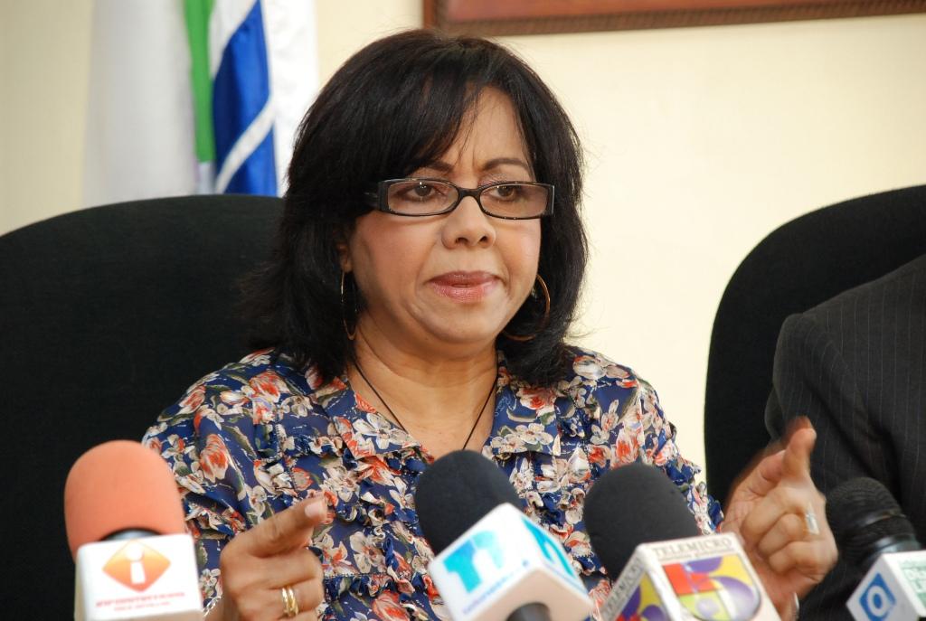 """Altagracita Paulino afirma que el aumento de 14% al salario es """"insuficiente"""