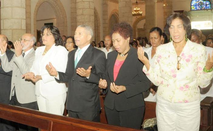 Salud Pública celebra misa por el Día de la Enfermeras