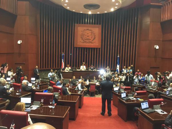 Senado aprueba en primera lectura ley para Control y Regulación de Armas