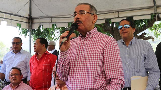 Danilo aprueba financiamientos a pequeños cafetaleros de Azua