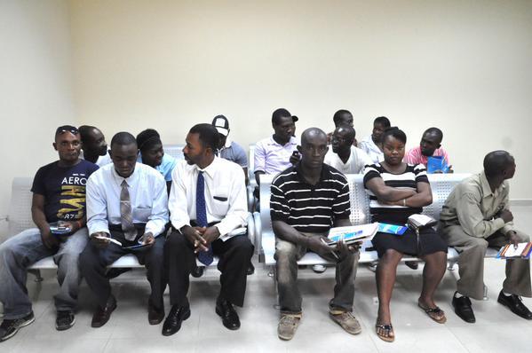 Ministerio de Interior inició la entrega de carnés a extranjeros