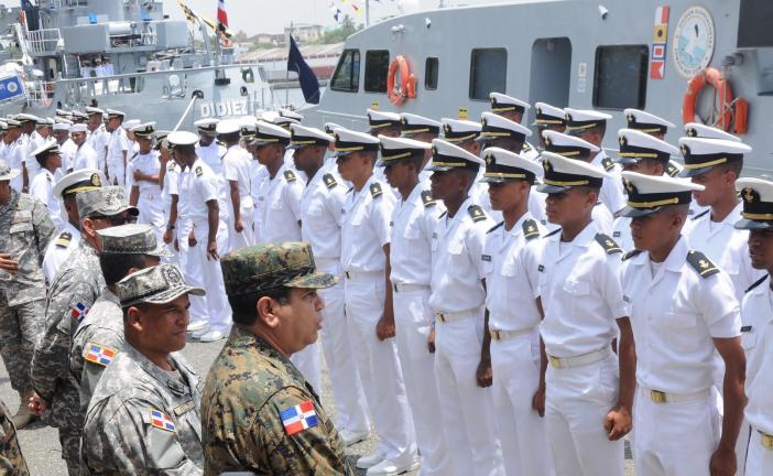 Armada inicia crucero de instrucción de verano