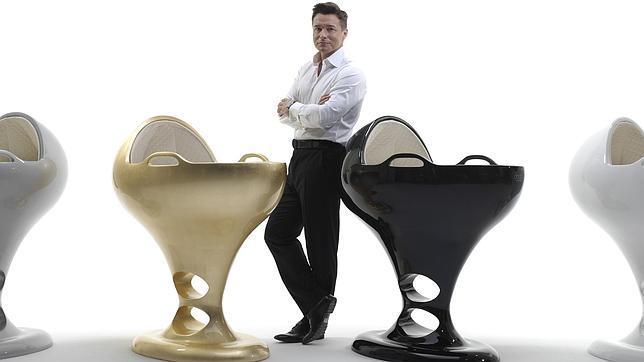 Diseñador vende cunas de oro macizo
