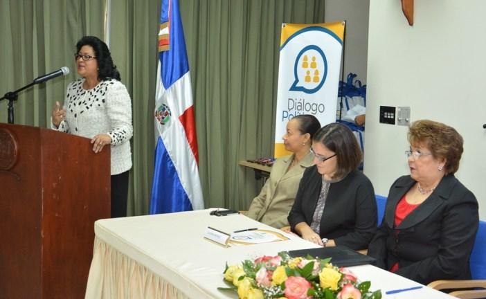 Cristina Lizardo aboga por mayor equidad de género en  toma de decisiones políticas