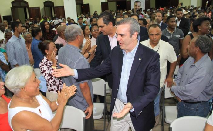 Abinader: endeudamiento de Danilo Medina por US$ 235 millones mensuales es insostenible