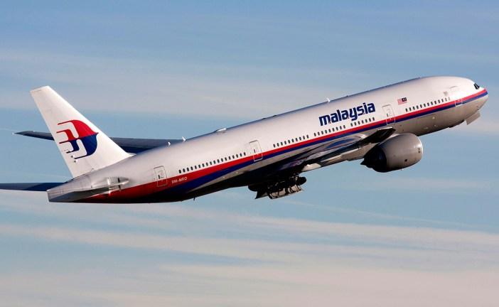 Encuentran un fragmento de avión que podría ser del desaparecido vuelo de Malaysia Airlines MH370