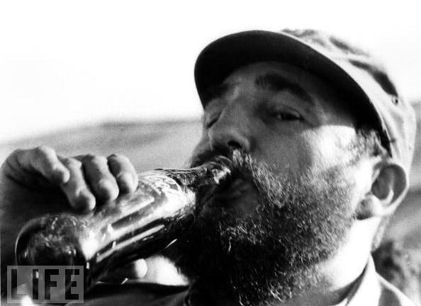 Fidel  cumple 89 años y le exige a EEUU compensaciones por daños causados
