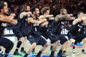 La Haka de los jugadores de Nueva Zelanda apabulla a sus rivales