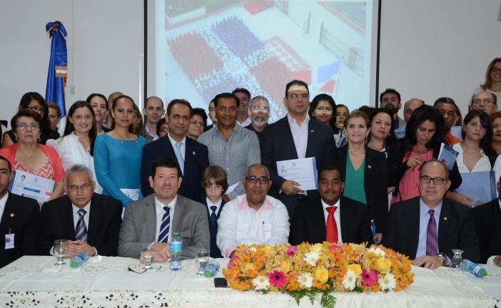 Interior y Policía juramenta como dominicanos  a 54 extranjeros