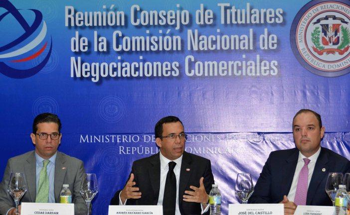 Navarro aboga por avances en consultas con sector empresarial