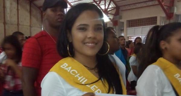 Martha Heredia se gradúa de bachiller en Rafey Mujeres