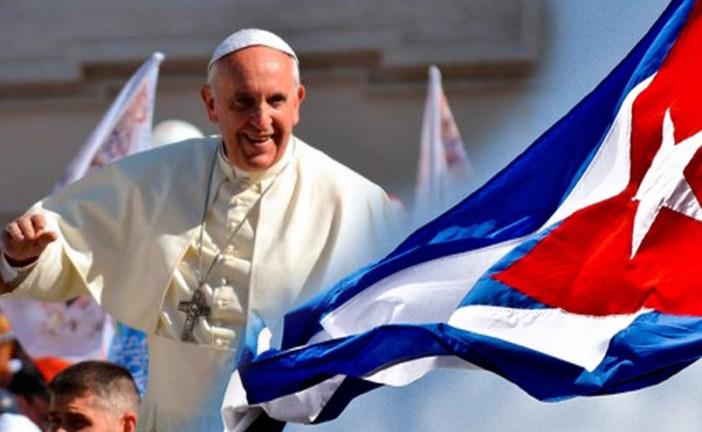 """El Vaticano considera """"posible"""" una reunión entre Francisco y Fidel Castro"""
