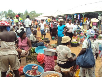 Reanudan el mercado binacional en Dajabón