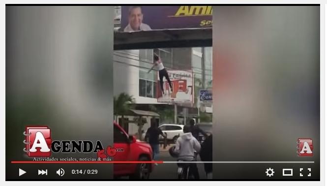 VIDEO. Mujer se lanza de un puente en SFM