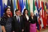 """Vicepresidenta  propone  aplicar proyecto """"Ciudad Mujer"""" en Latinoamérica"""