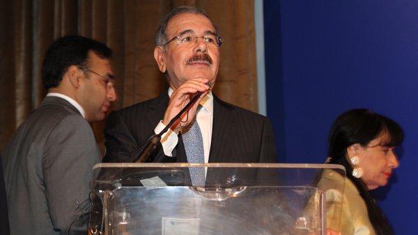 Por segunda vez, el presidente Medina rehuye hablar de la agenda nacional
