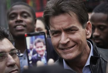 El actor Charlie Sheen es VIH positivo
