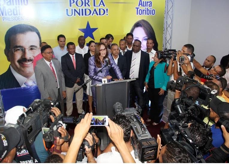 Gobernadora Aura Toribio retira aspiraciones a Alcaldía de Santiago