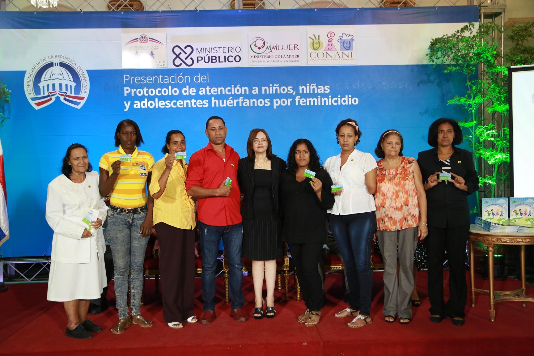 Instituciones presentan protocolo protegerá niños huérfanos por feminicidios