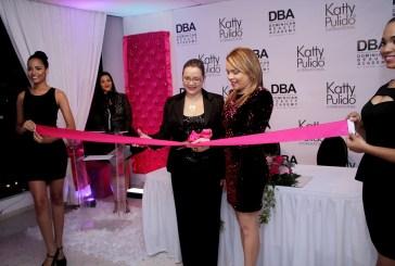 Karumi Suazo inaugura academia de modelaje