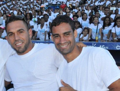 Gobierno felicita a Luguelín Santos y a Víctor Estrella por ser electos como atletas del año 2015