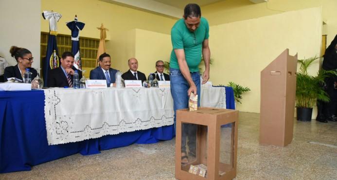 Junta Central Electoral anuncia 1,800 presos preventivos están hábiles para votar