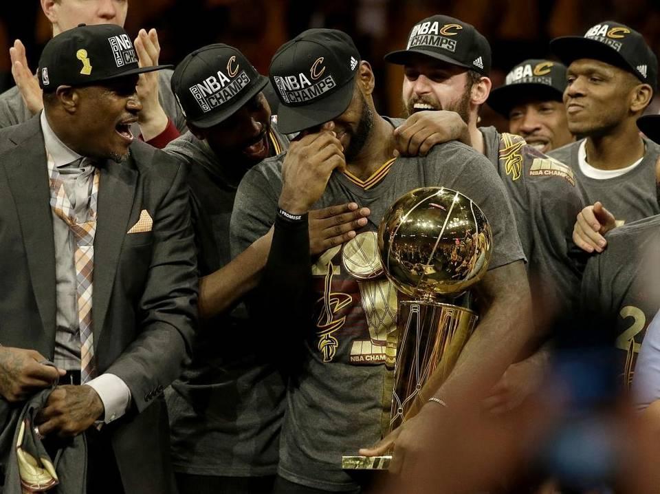 LeBron se pone la corona y los Cavaliers se proclaman campeones de la NBA